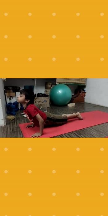 Kid's yoga #yogachallenge #kidslove #kidstalent #yoga4roposo #yogalife
