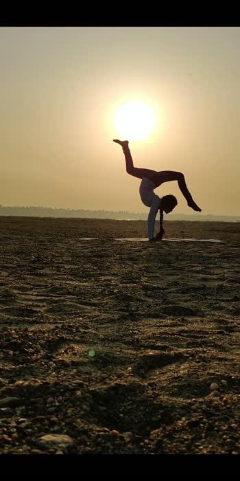 #yoga #yogachallenge #roposo #tiktok-roposo #fitnes #yogalove #yogapractice #motivation #talent  #proud-to-be-an-indian  #udarpaiyirchi #yogalifestyle  #yogateacher #yogaflow #yogaaddict  #yogapassion
