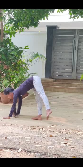#yogachallenge #yoga #yogalover #yogagirl #yogavideo #yogainspiration #yogamotivation #fitness #flexible #contortionist #smile