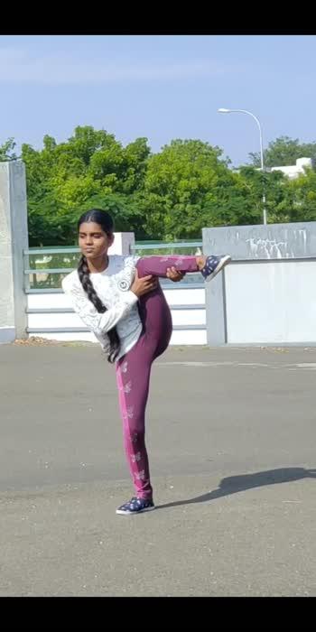 #yoga #yogachallenge #yogagirl #yogainspiration #yoga4roposo #yogaeveryday #yogalife #yogaposes #yogamotivation #yogalifestyle #yogaaddict #yogaclass