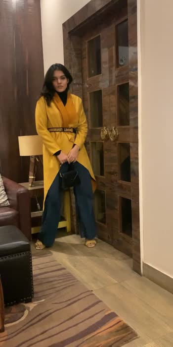 Styling a bright colour for winters..  #fashionvideo #stylevideo #stylingvideo #fashionlook #fashionblogger #fashioninfluencer #winterstyle #winterfashion