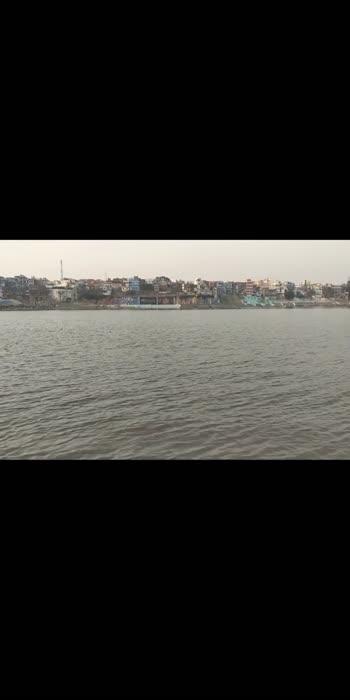 काशी ❤️❤️ . . #kashi #varanasi #varanasidiaries #varanasiblogger #varanasi_ghat #varanasiindia #banaras #banarasi #banarasiya #banarasilove #mahadev #ganga #ghat #ghats #ghatsofvaranasi #ghatsila #bhole-ke-bhakat #babakinagri #bholebaba #bholenath_status #roposostar #ropsovideo #roposoindia #roposo-beats