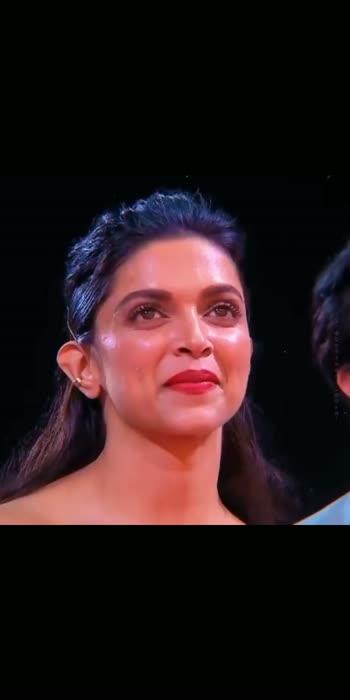 #deepikapadukone #ranvirsingh #couplelove #couplecomedy #tvshows #awardshow #lovestatus #lovecare #hindiroposo #roposobeauty