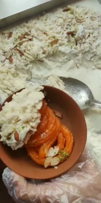 jalebi khao #jalebi #yummyfood #sweetdish