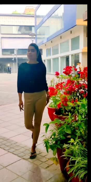 . . .#photoghraphy #instagood #foryou #fashionmodel #fashionweek #fashionlover #fashionista #fashioninsta #fashionphotography #faashionblogger #lodhigarden #delhigirls #modelos #instamakeup #instafashion #roposo #jitikadevi #foryoupage #me #green #nature #love #100 #100likes