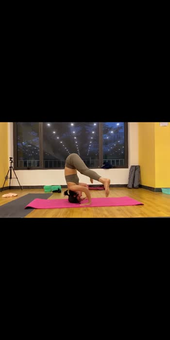 Headstand 🧘♀️