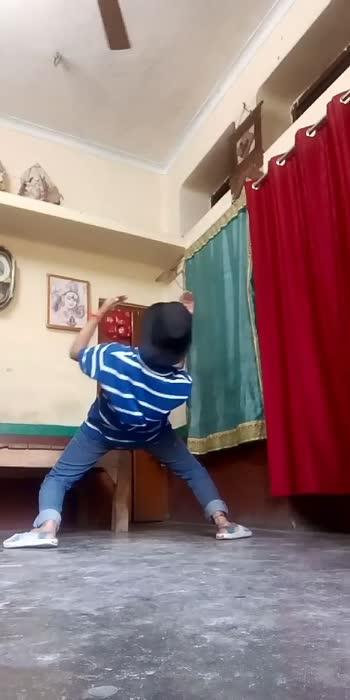 Dance lover sam and dance is everything for me #danceislife #danceislove @vinay563robo bhai ka 5 lakh views kara do #danceisdrugsforme  #totaldancer 😎😎😎...