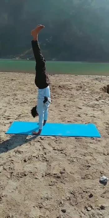 #yoga #yogachallenge #yogalove #yogainspiration #yogapractice #yogaeverydamnday #yogalife #yogafitness #yoga4roposo #yogaflow #yogaeverywhere