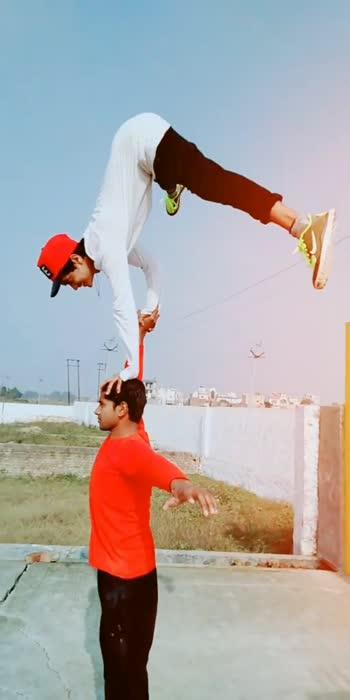 waaaaoooww👍👏😆#acrobatics #acro #acroyoga #acroboys#sports #handbalancing