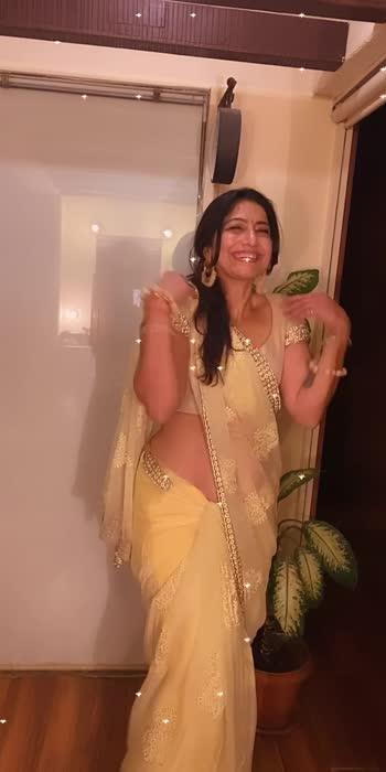 Morning fun #chadani #filmistaanchannel #actresslife #aartiinaagpal #love #dance #music #oldbollywoodsong #sridevifans #aartiinaagpal #roposo-beats #roposostar