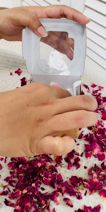 Homemade Rose Petals soap 🌹  - - #natural #homemadesoap #driedrosepetals #rosesoap #organic #vegansoap #glowingskincare