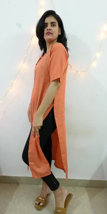 How to style a slit kurta with denims 🙈 . . #stylingtips #jeanstop #jeans #styling #stylingvideo #stylingtipsandtricks #videostar #videos #shoot #shootingtime #shootingmode #shootingmodeon #kurta #kurtas #kurtaset #kurti