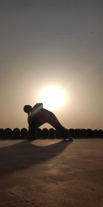 #bollyfashion #poseclick #toontalks #yoginikaur #pavitkour #yogachallenge #yoga #yogainspiration #yogainspiration #yogachallenge #yogoforeveryone #yog