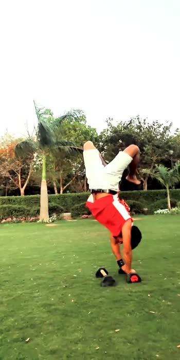 #handstandchallenge #hand #stand #acrobatics #gymnastic #fittness #gym