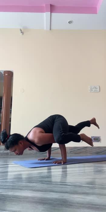#yogaroposo #yogawithshaheeda #yoga #yogachallenge #yogalove #yogainspiration #yogaday #yogapractice #yogaeverydamnday #yogalife