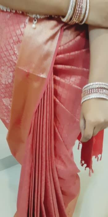 Saree draping on point #sareedrapingstyle #sareefashion #sareedrapist  #makeup #model #sareeclass #sareestyle #southindianbridal #instareel #mettildamua #tutor #trending  Dm for saree draping class Enquiry