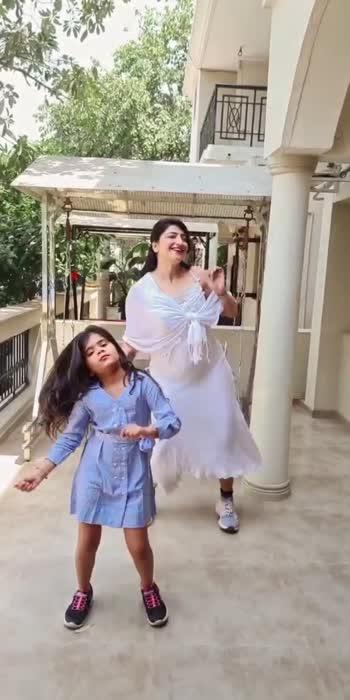 #indiakaapnavideoapp #roposo-beats #roposostar #aartiinaagpal #trending #tiktokvideo #dancevideo #actresslife #love #viralvideo