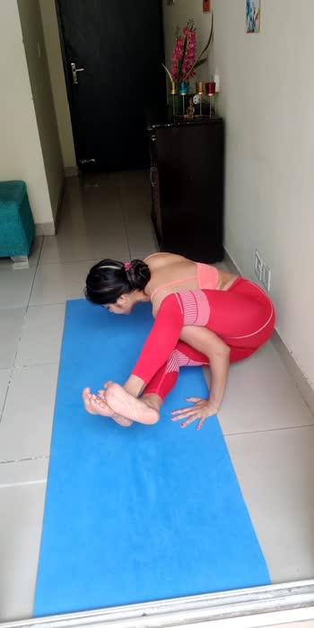 #armbalance #yoga #strength #roposostar #roposo-beats #roposoindia #viral #trendingvideo #trending #roposovideos #yogavideo