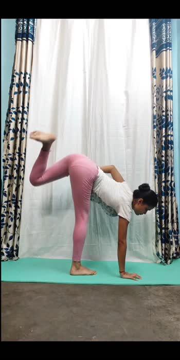 can you do this????? #challange #yogachallenge #yogaaarti #streching #yogaforall #yogastrength #strengthtraining #flexibilitychallenge #indian #yogalove #loveyourself #yog