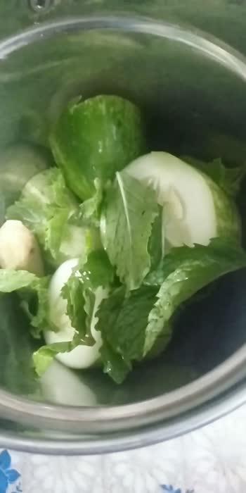 #roposostars #healthtips #detoxwater  ingredients:- cucumber-1                        ginger - 1/2 inch                        mint leaves - 7-8