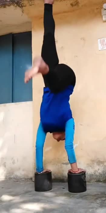handstand love❤️ #roposoindia #roposolove #handstands #handstandeveryday