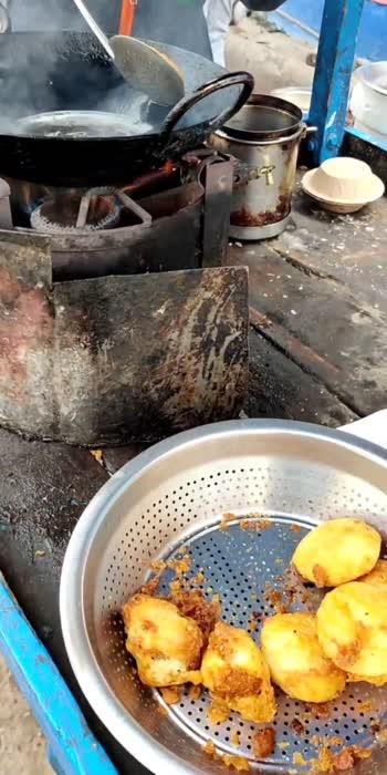 Crispy Fried Idli 😋  #food  #foodvideo #foodporn #foodie #foodblogger #blogger #idli #idlisambhar #idlilover #southindian