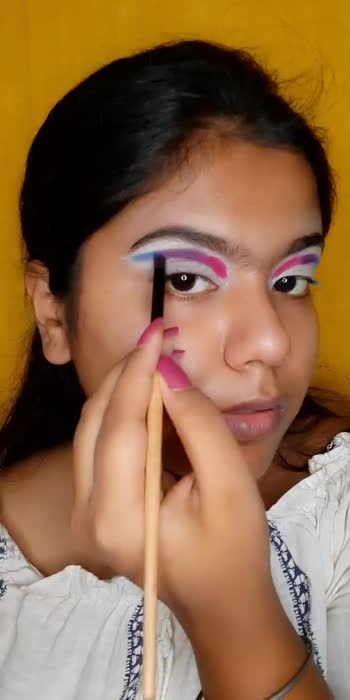 cotton candy look isn't it??? #makeup #easymakeup #easycolorfulmakeup #makeupinfluencer #beautybloggers #easyeyelook #affordablemakeup