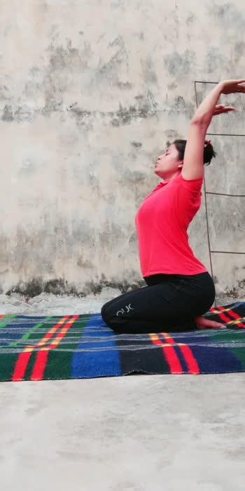 #yogaposes #yogachallenge #yogalove #yogainspiration #yogaday #yogaathome #yogaeverywhere #yogatips #yogatherapy