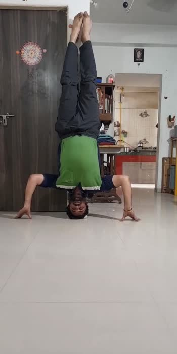 #sirsasana #sirsasanavariation #headstand #yoga  #fitness #fitnessmotivation #fitnessfreak