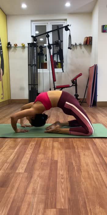 Advance camel pose .   #yogachallenge #yogaeverydamnday #roposostar #roposofilmistanchannel #roposofitness