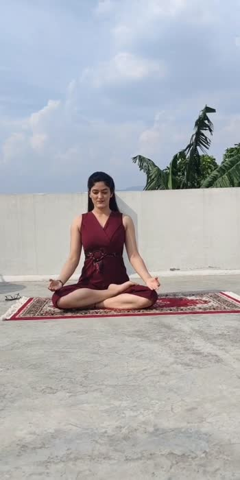 Best yoga poses for Backpain part 1 #roposostar #roposo-beats #roposostars #foryou #viralvideos #yogachallenge #yogaforbackpain #yogaforevryone #glanceroposo #glancexroposo #fitforsummer
