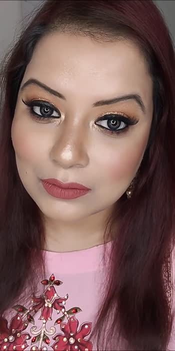 Two looks in one video...#roposostar #roposo #roposo-beats #roposo-beats #roposostars #makeupartist #makeuptutorial #makeuplover #makeupvideosdaily #makeupvideosdaily #makeupblogger #roposoyoutube #roposoyoutuber