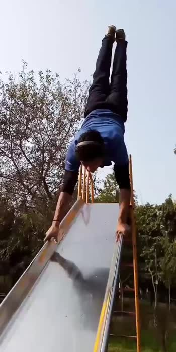 😱😳unbelievable handstand Walk in sliding jhula 🔥🔥#rockytigercalisthenics #foryou #fitnessmodel #strengthtraining #fitness #handstandchallenge #handstandwalk #fitnessmotivation #fitnessfreak #fitnessgoals #talent #fitnessindia #roposo