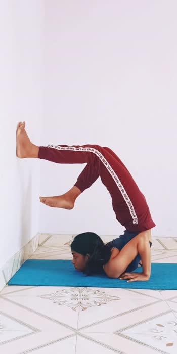 Chin stand. Work in progress.   #workinprogress #yogapractice #yogalife #yogalifestyle #yogapractitioner #yogainspiration #yogamotivation #yogaday #yogaworld #yogatime #yogateacher #yogastudent #roposostar #roposoindia #roposo-beats #roposo #yogajourney