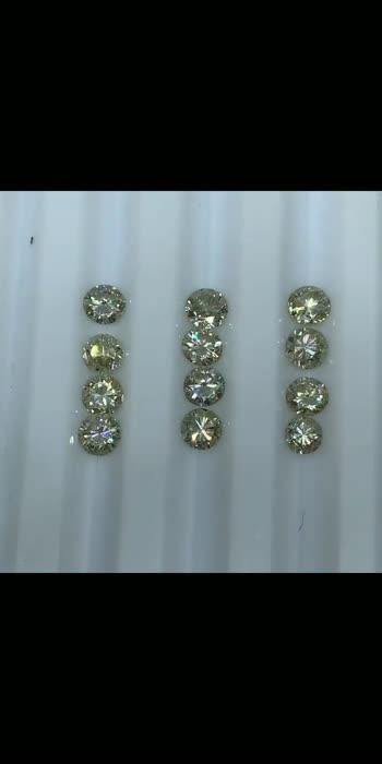 #moissanite #moissaniteengagementring #moissanitering #engagementring #jewelry #rings #moissanitejewelry #finejewelry #diamondalternative #diamonds #ring #weddingring #diamond #moissy #moissanitediamond #jewellery #moissaniteearrings #diamondring #engagementrings #lovemoissy #moissaniteco #kgold #love #jewel #moissanites #moissanitefactory #gold #moissaniterings #silver #bhfyp