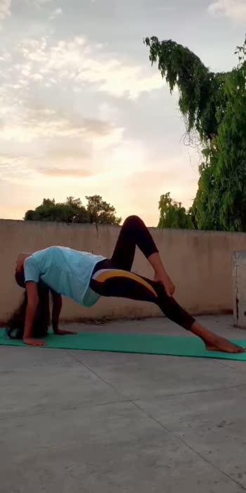 #manisha__yoga #yogagirl #yogachallenge #yoga #yogafitness