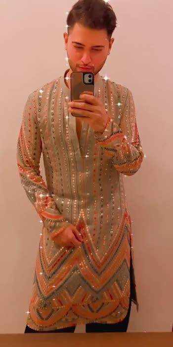 In love with this kurta by @label_nehabhaskar 💫  . . . . . . .  . . . . . . . . . . #fashion #fashiondiaries #punnukishaadi #fashionmagazine #fashionphotos #fashionphotography #fashionshoot #modelfashion #modelphotography #ootd #mensfashion #lifestyle #instamood #instagood #style #photooftheday #model #picoftheday #summer #indianwear #designer #kurta #ethnicwear #designerwear #indowestern #ethnicfashion #indianfashion #wedlooks #gq #vorasahab