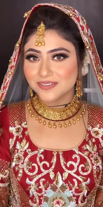 #bridalmakeup #bridallehengacholi #lehenga #makeup #indianlehenga #wedding #trending