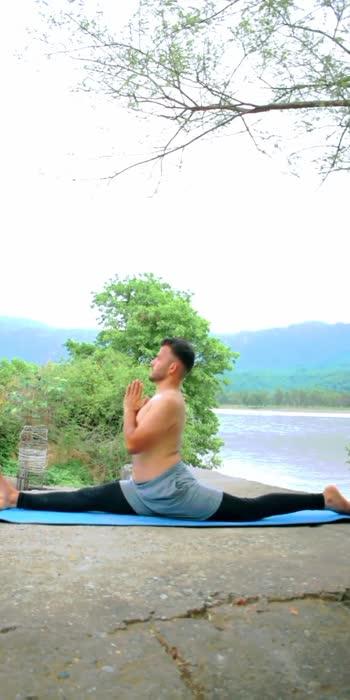 #yoga #yogaforlife #roposostar #roposo-beats #roposoindia #roposolove #yogavideo #yogachallenge #hanumanasana #yogastretch