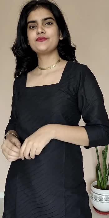 What kind of jewlery you can pair on a solid black kurta ❤️ . #fashion #fashionquotient #lookgoodfeelgoodchannel #lookgoodfeelgood #lookoftheday #fashionvideos #kurta #kurtapajama #kurtaset #jewelry #jewellerytrends #jewels #style #stylingtips #stylingtipsandtricks #styleitup