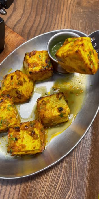Paneer tikka😍 #paneertikka #yummy #vegetarian #roposo #greenchutney #delicious #food #video