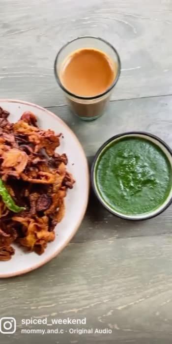 #sayitwitheyes #your2020 #virtualvacation #kaandabhaji #tea #chutney #foodcoma #shortvideo #foodgasm #foodiesofroposo #bhajiya #rainandbhaji #greenchutney #mint #lemon #corriander #viralvideo #trendingonroposo #reachmore #hungrytv