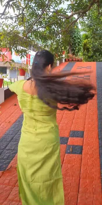 Mukundha Mukundha 💚 #trending #music #tamildance #mukundha #dancer #mallugirls