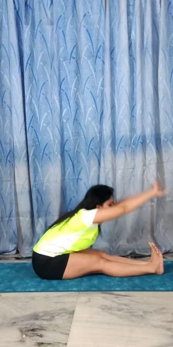 #toofaanchallenge #glancexroposo #yoga #forwardbend