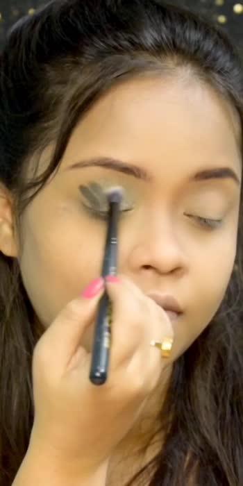 Eyeshadow hack.   #trend #eyeshadow #beauty #makeup #sayitwitheyes