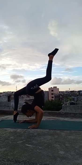 #explore #viral #trendingvideo #yoga4roposo #yogaeverydamnday #madeinindiaroposo