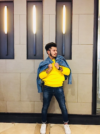 Yellow is the new black session ❣️ @iamchetnapande 😉  . . . . . . . #mensfashion #mensfashionpost #mensfashionblog #styles #stylemen #streetfashion #streetstyle #streetstyleblogger #blogger #bloggerdiaries #bloggerlifestyle #fashionblogger #fashionbloggerdelhi #fashionbloggerindia #ootd #casual #roposostyle #soroposofashion #roposofashionblogger #fashiontips #fashiontipsformen #stylo #styles #styling #delhifashion #delhifashionblogger #delhifashionblog #delhifashionshoots #delhifashionista #delhifashions