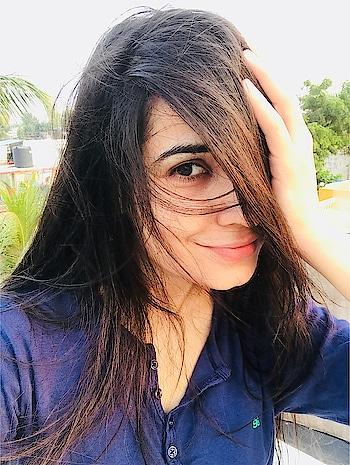 I'm a sun kissed girl..🌝 Yup💁🏻♀️ #nofilterneeded #nomakeupneeded #gonatural #lovemyskin #loveyourself #beyou #loveyourskin #sunkissed #sunlover #Sunny #jaadu #wethair #longhair #openhair #green #nature