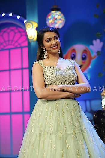 Tejaswini madivada looks gorgeous in our lehenga and studded croptop!! @tejaswimadivada  #archithanarayanamofficial #tejaswimadivada #lehenga #croptop #embellished #studded #tulle #green #pastels #tollywood #gorgeous