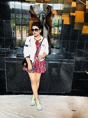 The weather in Bangkok was typically warm and humid .So I was left with very few options of either wearing shorts or rompers or some summer dresses🤣. So here I layered this romper @fashionnova with my jacket @zara to gv it a polished look . . . . . #romperstyle #layeredlook #lookbook #bangkokdiaries #indianblogger #beautytrends #fashiontrends #trends #lifestyle #bloggerslife #style #fashioninspiration #romper #jackets #zara #leatherjacket #wiw #whatiwore #potraits #potraitvision #bloggerbabe #fashionblogger #fblogger #mumbaiblogger #styleinfluencer #fashioninfluencer #bloggerstyle #mumbai